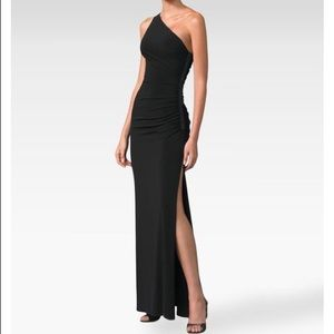 Laundry by Shelli Segal one Shoulder Gown